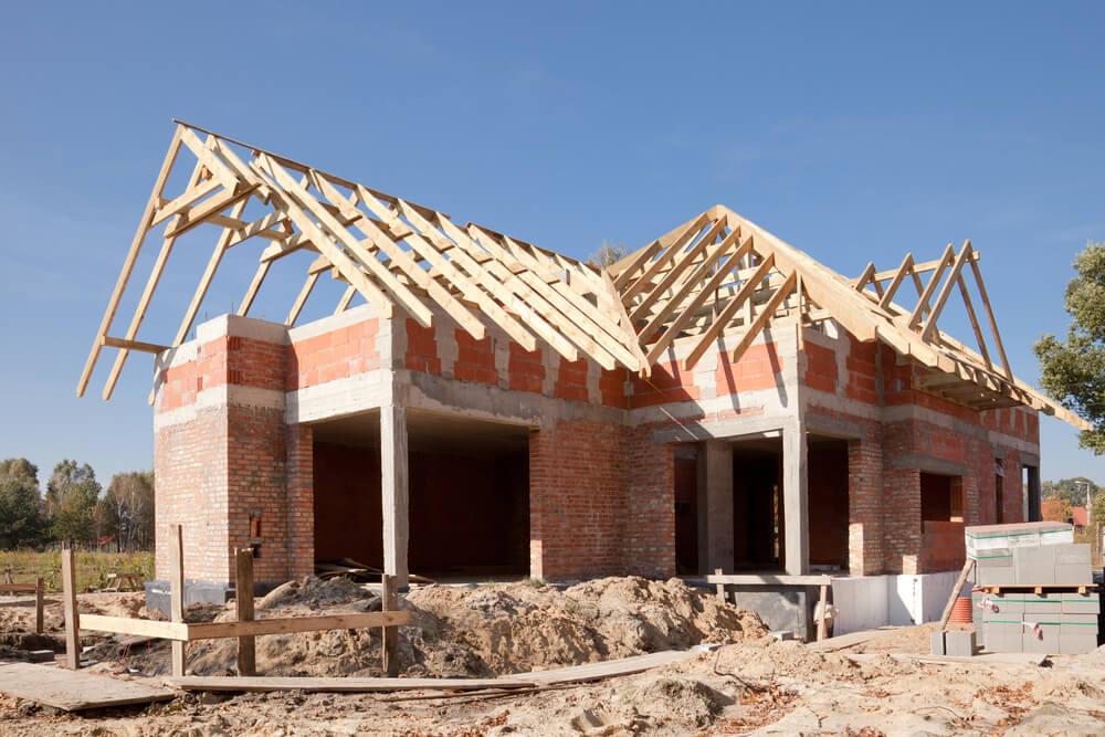 Недостроенный дом из кирпича