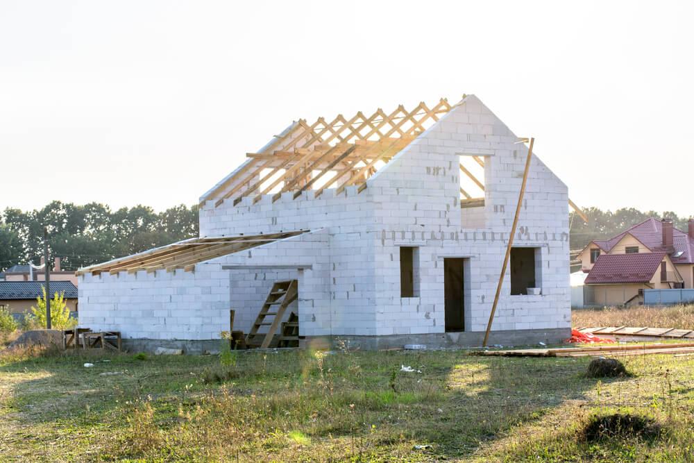 Недостроенный дом из пеноблока