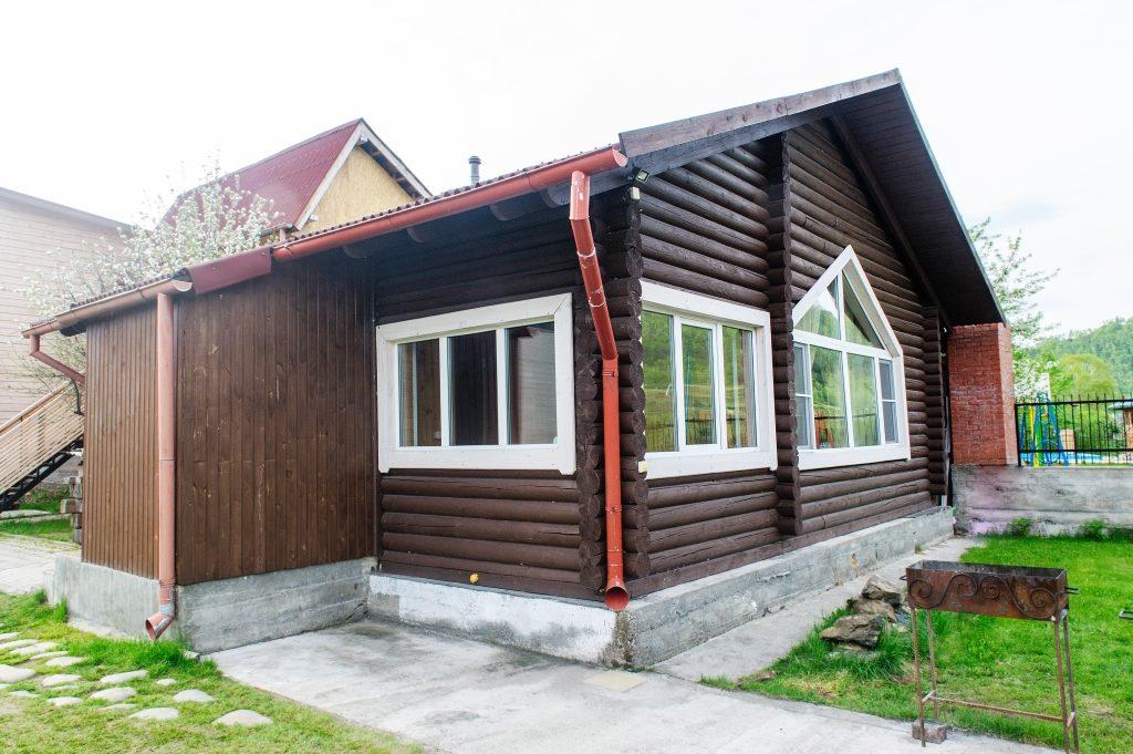 Финская баня с мангалом на приусадебном участке