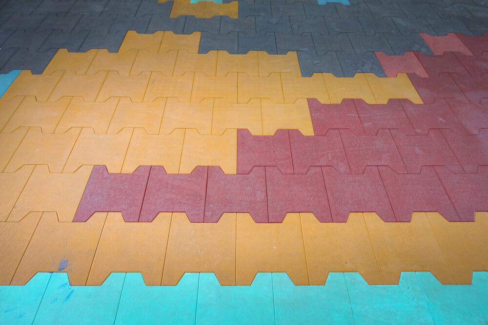 Разноцветное модульное покрытие ПВХ