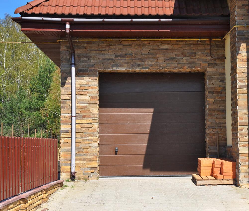 Как построить гараж своими руками: все тонкости процесса строительства и как выбрать идеальное место под гараж