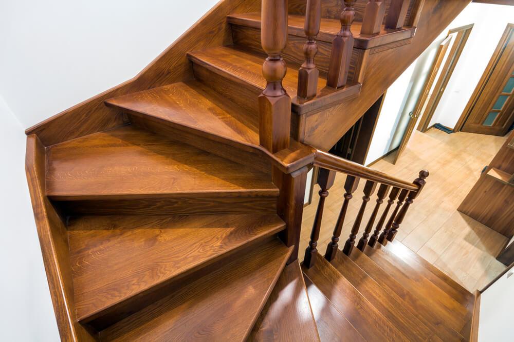 Лестница с поворотом 180 градусов