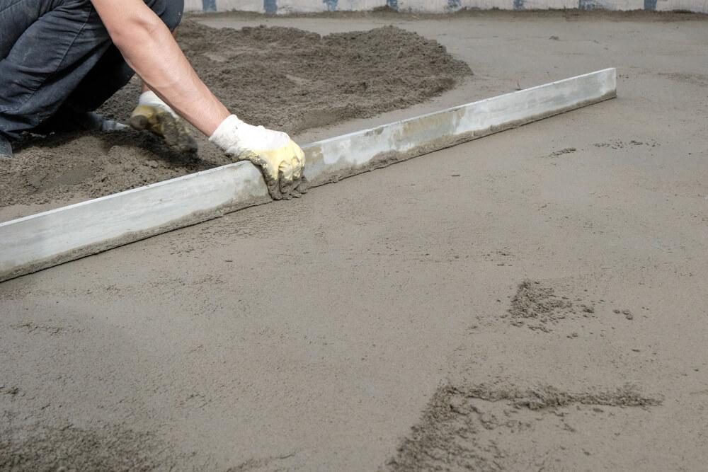 Закладка цементного фундамента